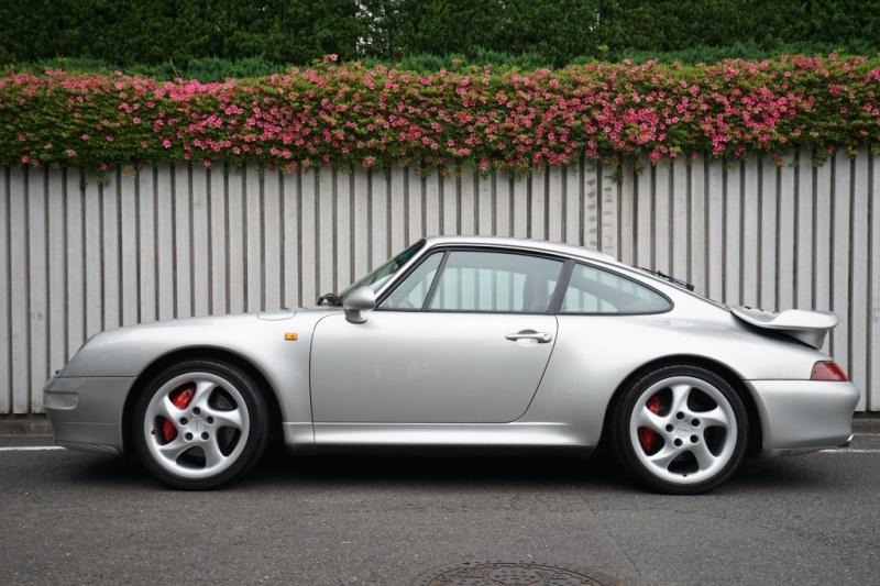 ポルシェ 911(Type993) 911ターボ  ワンオーナー ミツワ物 最終モデル 全てディーラーにて記録簿多数有
