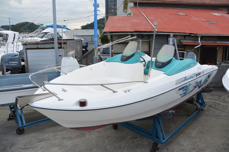 中古艇・中古ボートのボートワールドは中古艇情報をリアルタイムに掲載! 中古艇情報ヤマハ SRV-20 WB ウェイク入門に最適のサイズ・馬力・価格