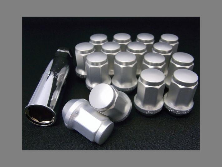 軽量鍛造アルミ製7角形ナット+ソケットレンチ *ナット1台分・ソケットレンチ1個標準付属。