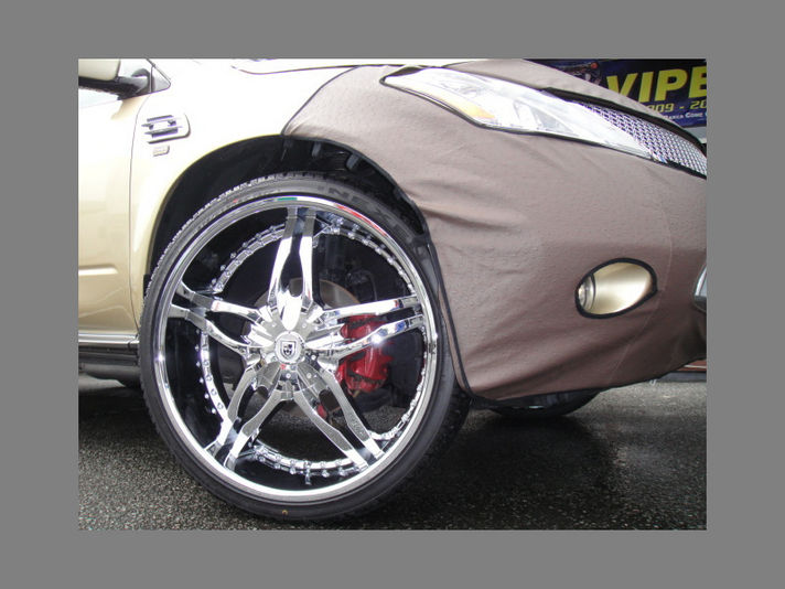 Nissan Murano with PYRO 24inch