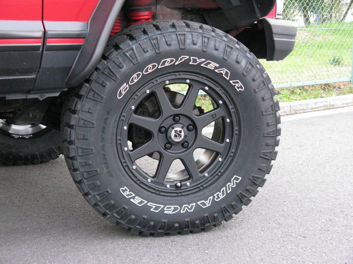 JEEP チェロキー with XtremeーJ 17x7.5 5H114.3 インセット+38(ワイトレ25mm)  Special Thanks:オフロードセンター
