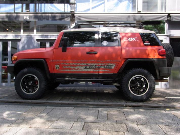 TOYOTA FJ CRUISER  ホイール:XJ02 18x8.5 6-139.7 ET+20 タイヤ:295/65R18