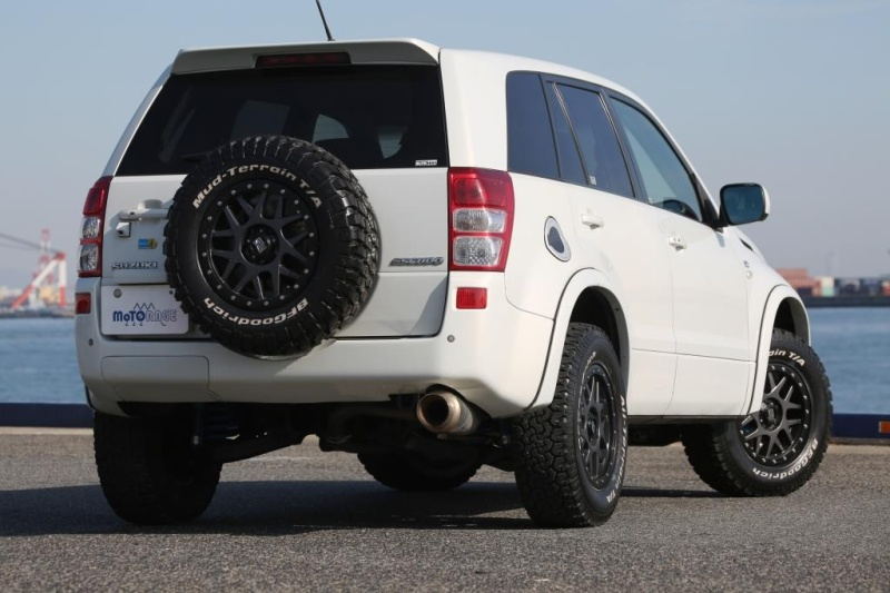 Suzuki Escudeホイール:KMC XD127 Bully 16x7 5-114.3 ET+35タイヤ:BF Goodrich All-Terrain 245/70R16Special Thanks:MOTORAGE