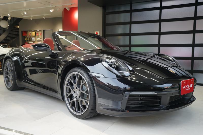 ポルシェ 911(Type992) 992カレラカブリオレ スポーツクロノPKG スポーツエキゾーストシステム ディーラー車 走行395km