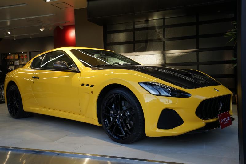 マセラティ グランツーリズモ MCスポーツライン 最終モデル特別仕様車 カーボンPKG その他OP多数 ディーラー車 1オーナー